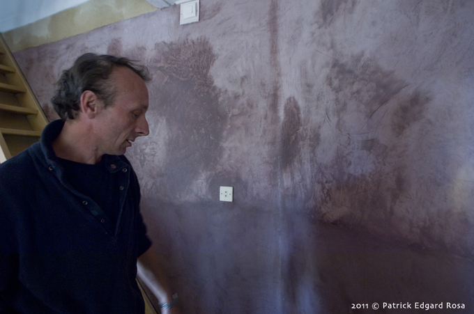 Franck est décorateur dans l'âme de longue date. Il s'est installé en 1996 dans nos Pays de Loire. Remarqué par Maisons et Travaux pour son 200eme numéro, il a embelli un certain nombre d'intérieurs. Le bouche à oreille fonctionne parfaitement bien