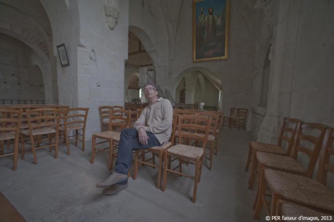Le poids du passé : l'église de Parnay