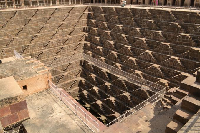 Le puits de Chand Baori ou la prison de Batman