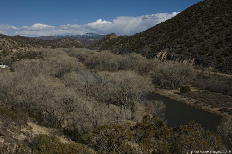 Habitat semi enterré et troglo au Nouveau Mexique