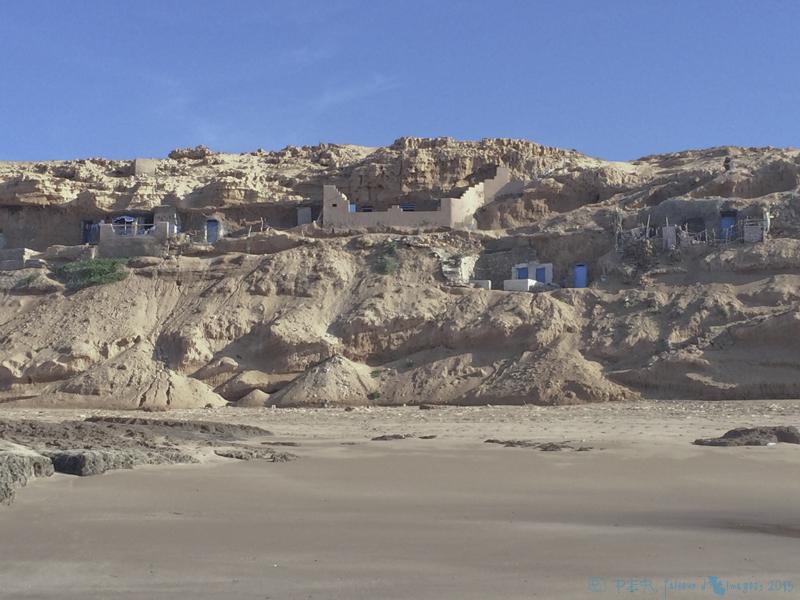 Des grottes de pêcheurs dans le sud Maroc