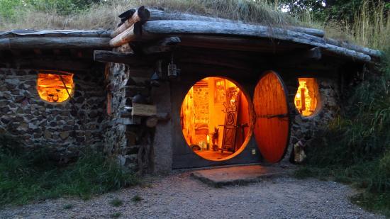 DOMAINE DE LA PIERRE RONDE, maison de Hobbit