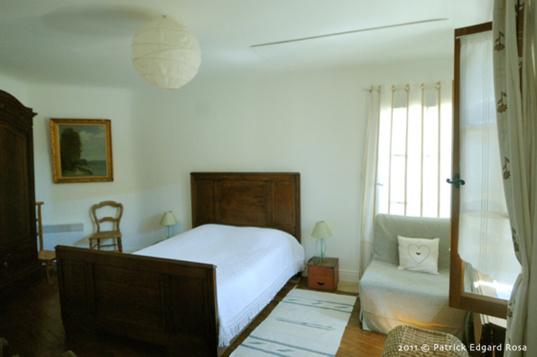 chambre étagee, lit 140 et chauffeuse appoint