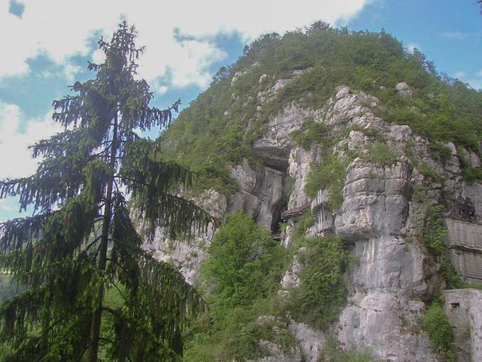 De l'usage des grottes à la Renaissance