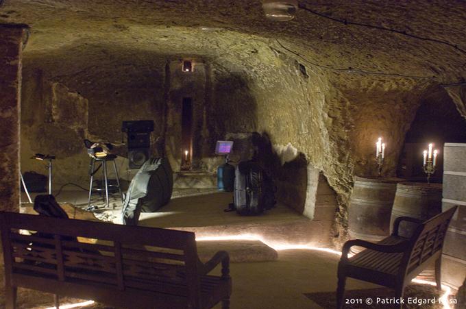 Musique en cave 1, contrebasse et impro.