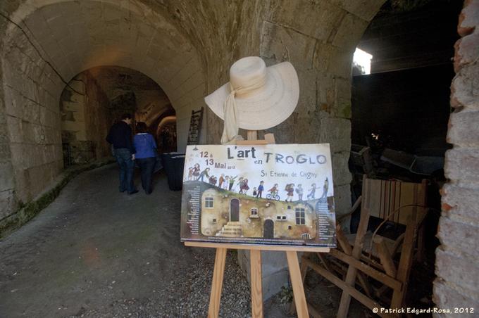 Saint-Etienne-de-Chigny fête l'art dans  ses troglos