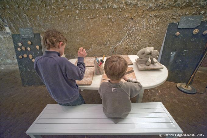 Troglos jeunes, St Rémy sur Creuse