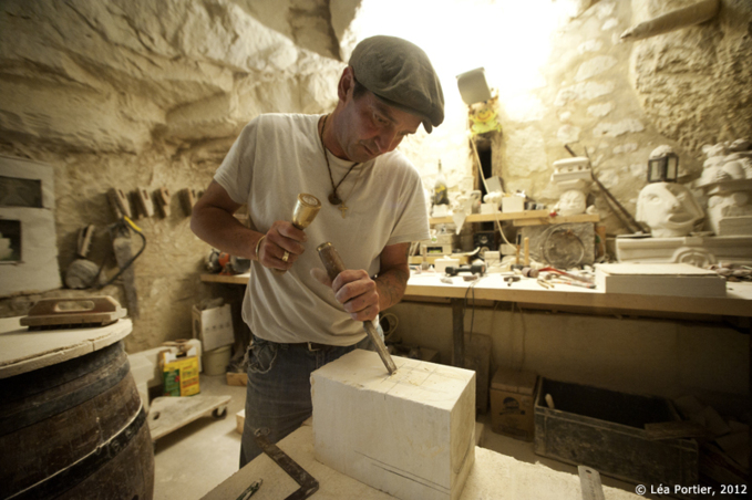 La sculpture sur pierre selon Christophe Allier