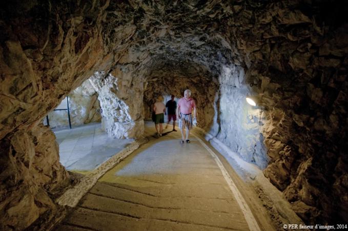 Les dessous de Gibraltar (2)