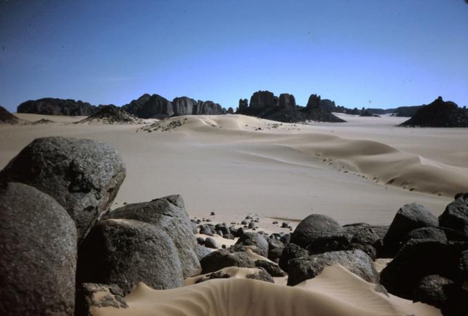 un paysage de grès et de sable