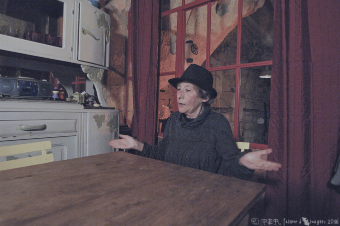 Annie Brethon, troglodyte et conteuse