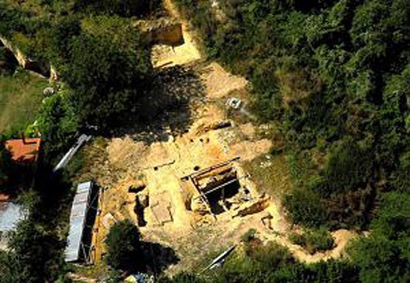 Troglos et archéologie