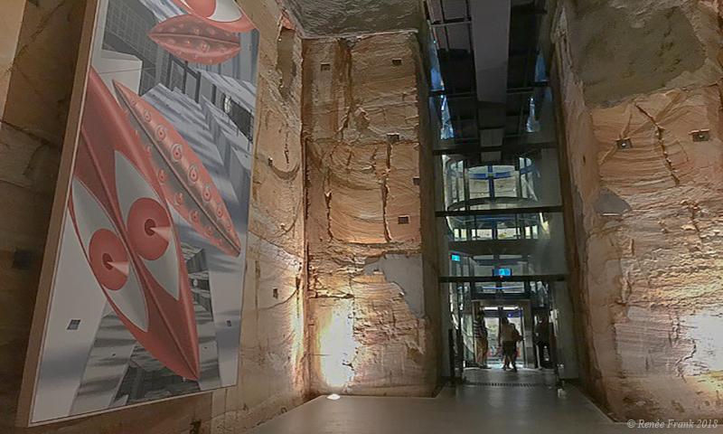Le MONA  : un musée creusé dans la falaise en Tasmanie