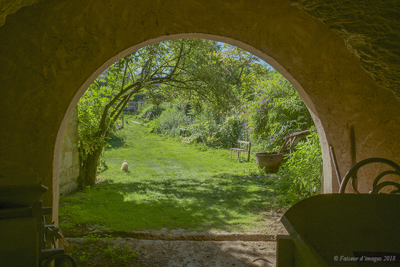 Une ferme troglodyte originale (1)