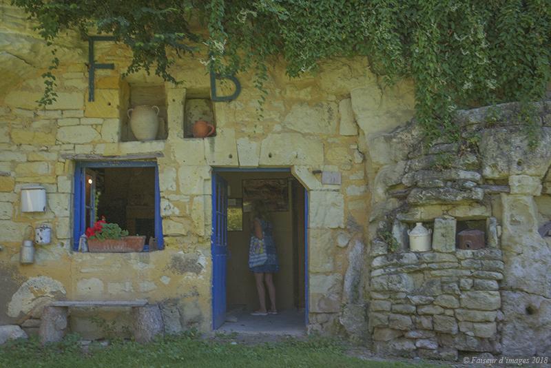 Une ferme troglodyte originale (2)