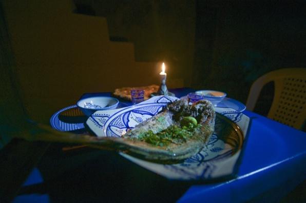 dîner à la bougie sur la terrasse